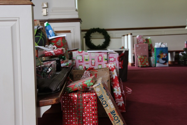 Presents Family Scholar 2014 (1).jpg