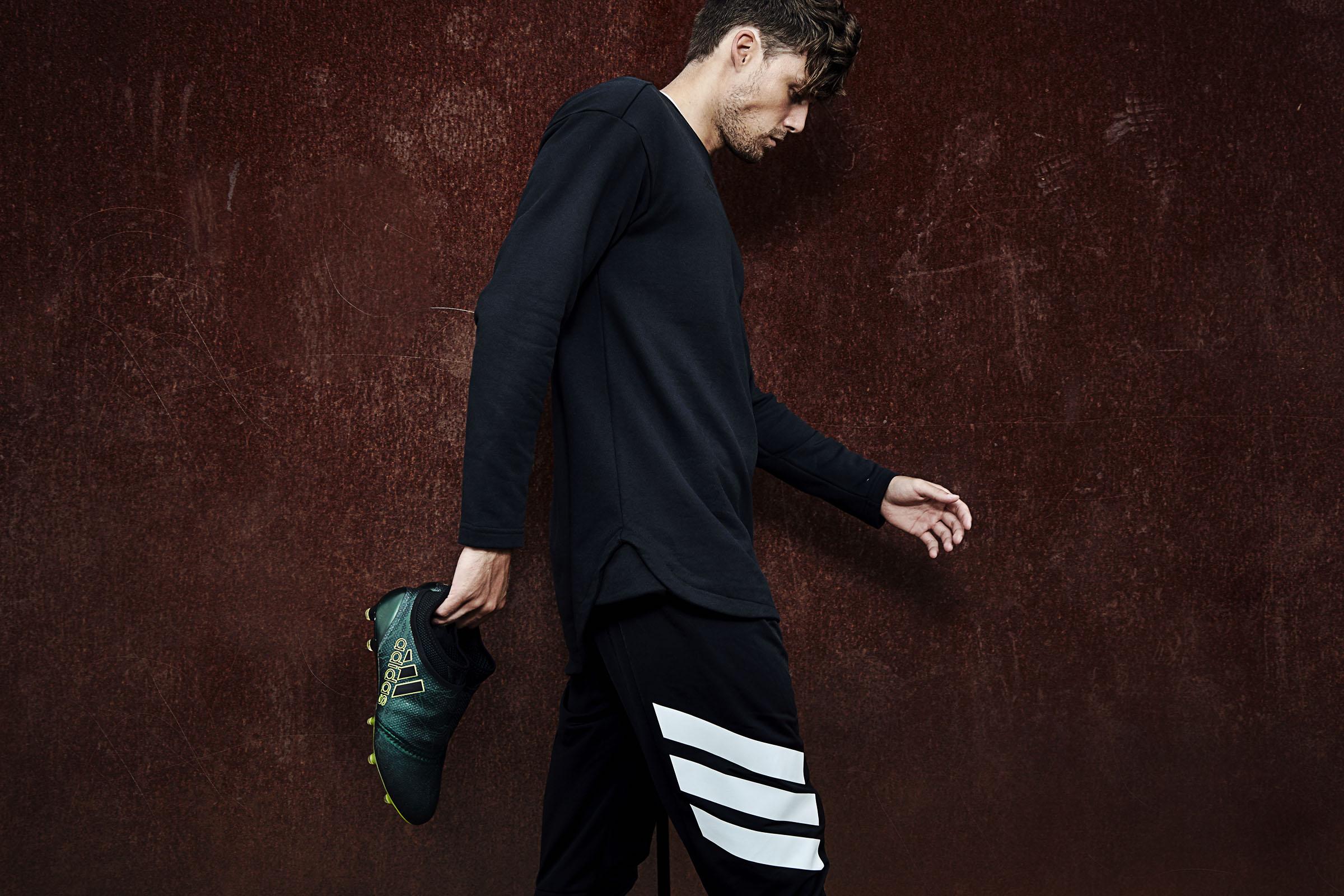 Soccerbible / Adidas -