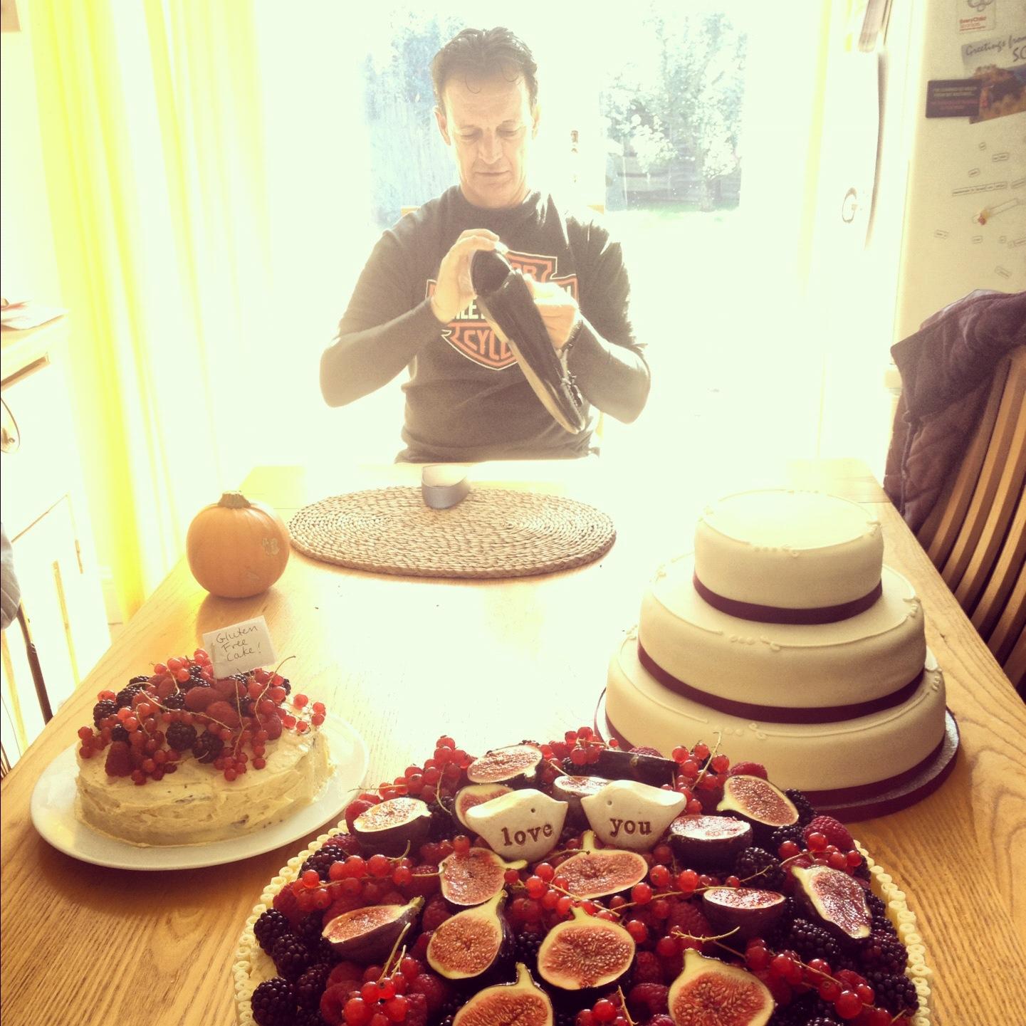 Wedding prep and cakes (!!)