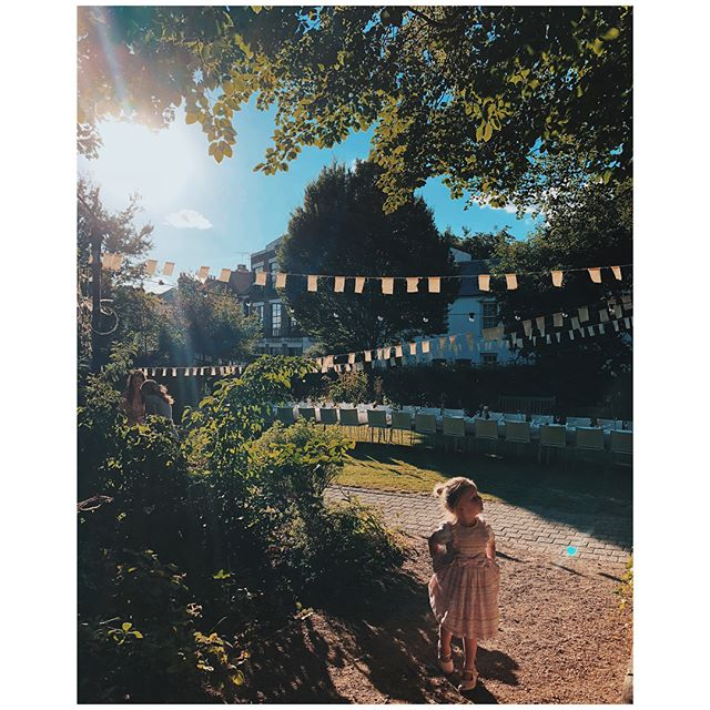 A twinkly, warm solstice supper of dreams with some of my very favourite girls under a blue and pink Walthamstow sky ✨🌞 thanks to the magical @luminosa.events @sailorskitchen @forestvenues  and the weather #longestday #toomuchrosé #inanenglishcountrygarden