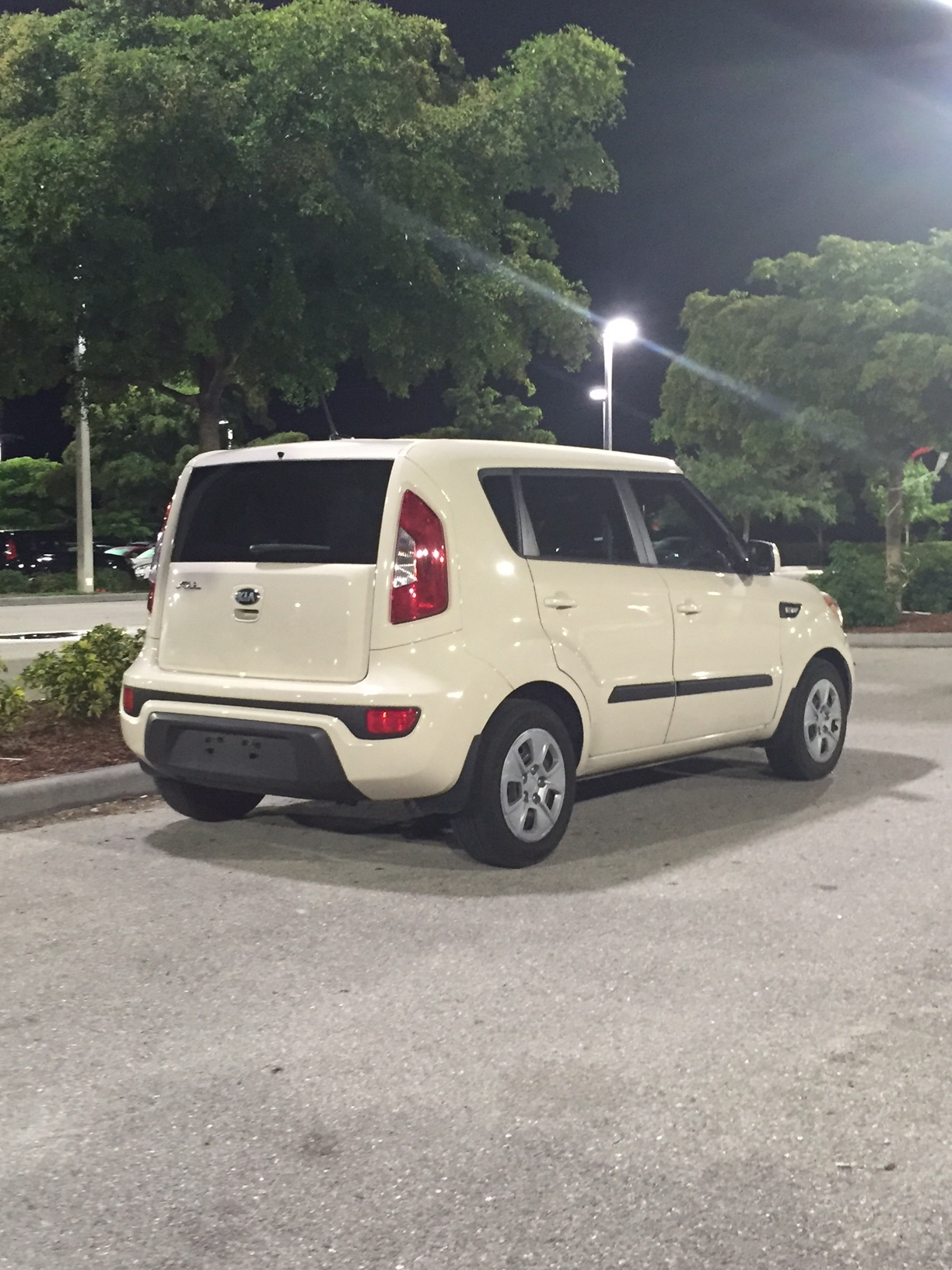 PHOTO:  This is a light cream colored Kia Soul, similar to the suspect vehicle in this hit and run investigation.  Major Crash Investigators believe the actual suspect vehicle will have damage to the front end, near the passenger side.  (Photo Courtesy of Sgt. Justin DeRosso, Cape Coral Police Department)