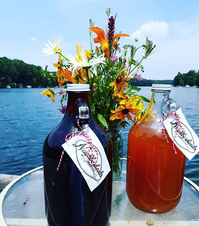 Perfect for parties, picnics, dock time, Fourth of July cookouts...Flagons of Iced Coffee or Fenway Breeze, available in our reach in cooler for all your summer fun! P.S. We are open today until 6. Happy Fourth!