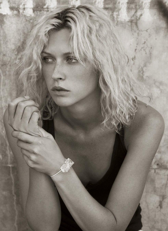 Margo Stilley Headshot 2006-3.jpg
