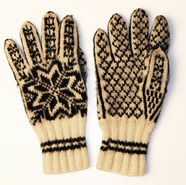 Bilde 4: Et annet par med fingervotter kjøpt på Husfliden i Oslo på 1990-tallet.