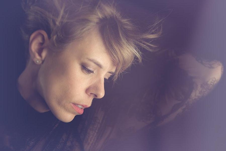 The lovely Melany #portrait #portraitoftheday #picoftheday #headshot #soft #beauty #softlight...