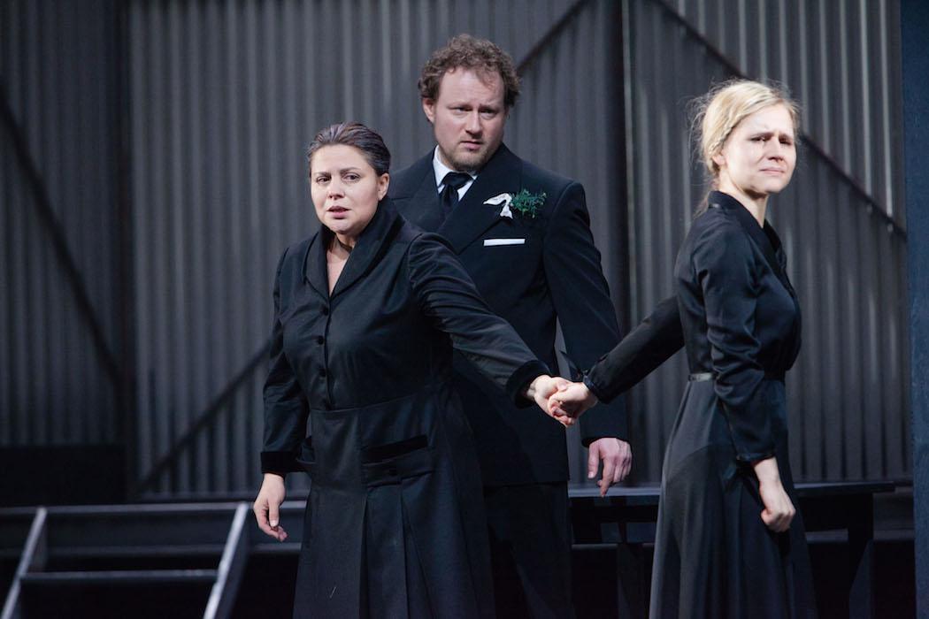 Theater Aachen, Jenůfa   photo credit: Carl Brunn  with: Irina Popova, Linda Ballová