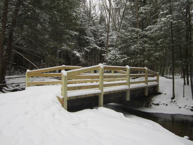 bridge thundershower w snow.JPG