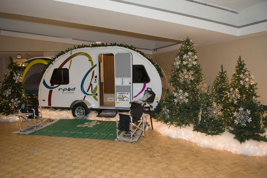 Festival of the trees_Page_20.jpg