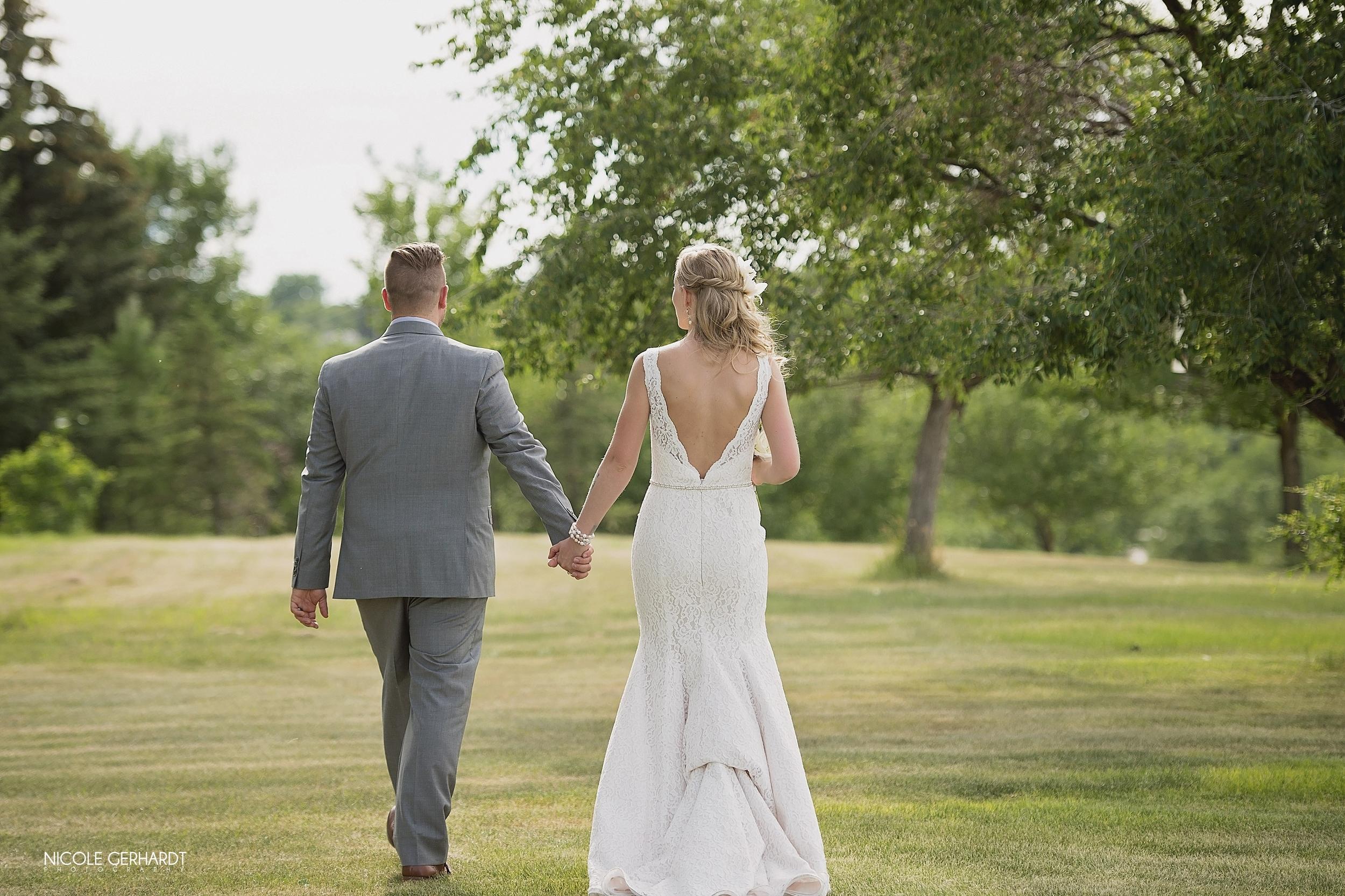 regina_wedding_moosejaw_photographer25.jpg