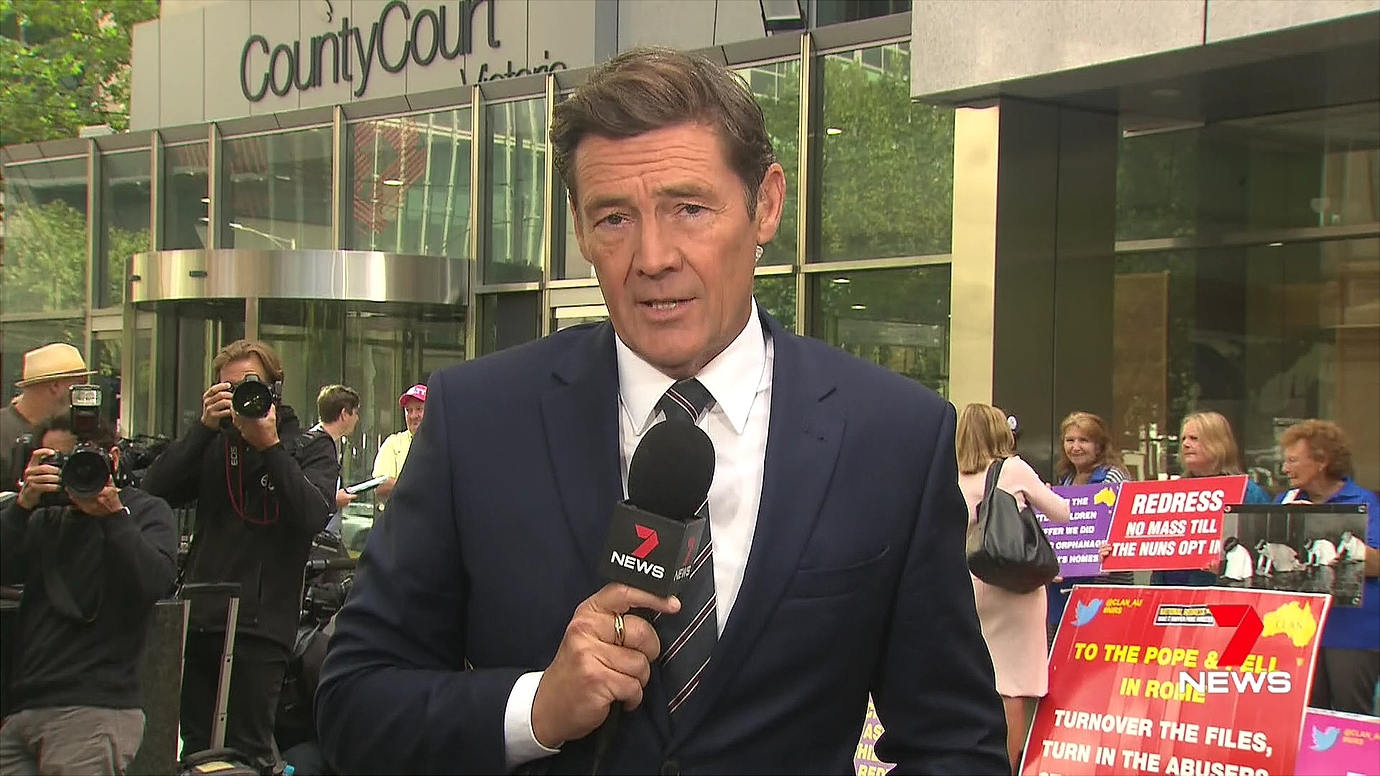 Mike Amor hosting Channel 7's coverage   PHOTO: Screen capture from TV.Cynic at MediaSpy