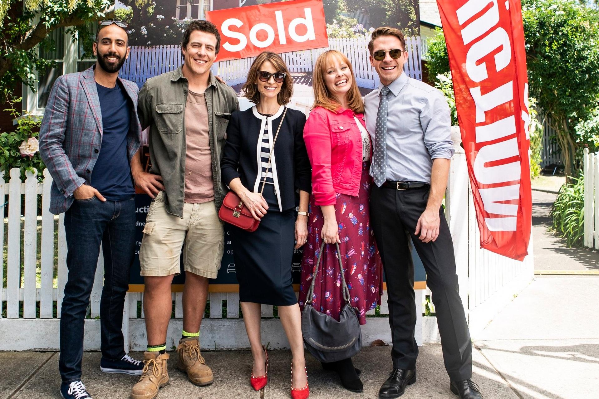 Harry (Roy Joseph), Ben (Stephen Peacocke), Liz (Kat Stewart), Ainsley (Katie Robertson), Lachlan (Hugh Sheridan)  image - 10