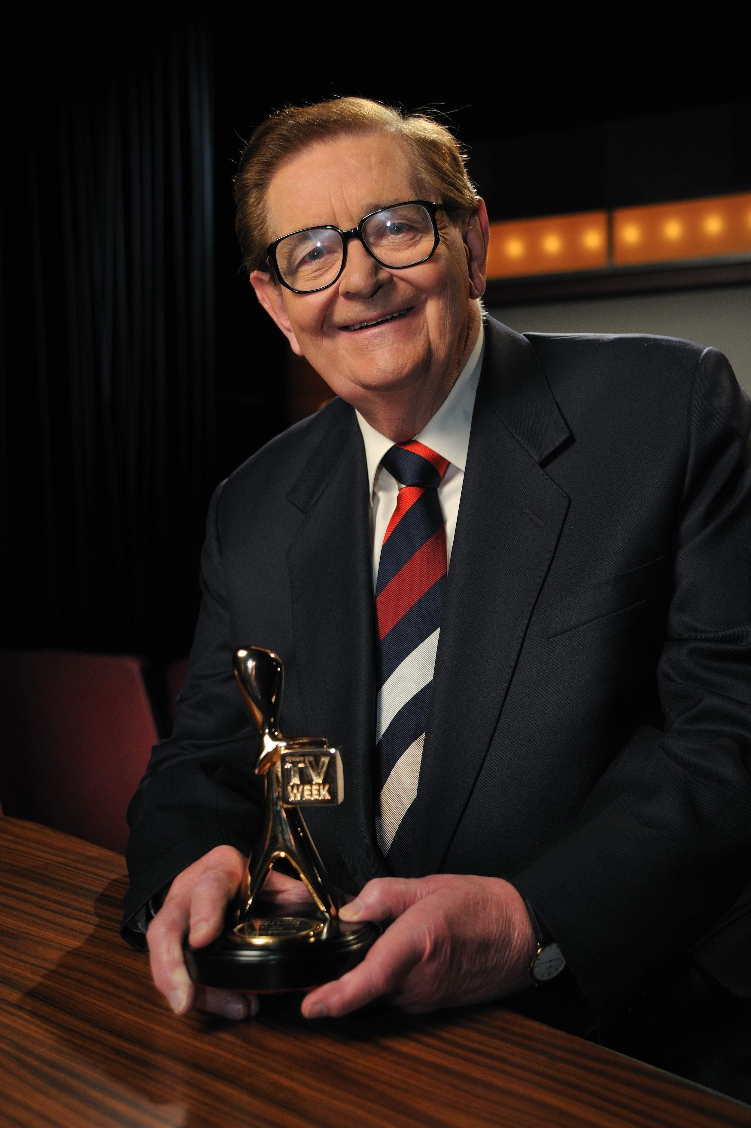 FOX Classics Bill Collins with TV WEEK Logie May 2009 - FOXTEL (photo Andrew Jacob).JPG