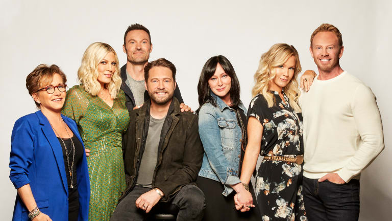 The cast of the 90210 reboot   PHOTO: FOX