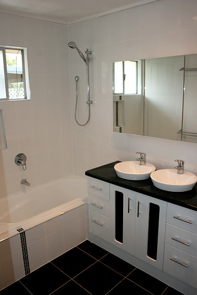 twin-bowl-bathroom-basins_2-400x600.jpg