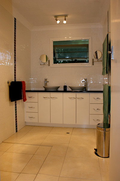 twin-bowl-bathroom-basins_4-400x600.jpg