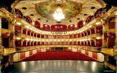 National Theatre in Zagreb (c) Novkovic