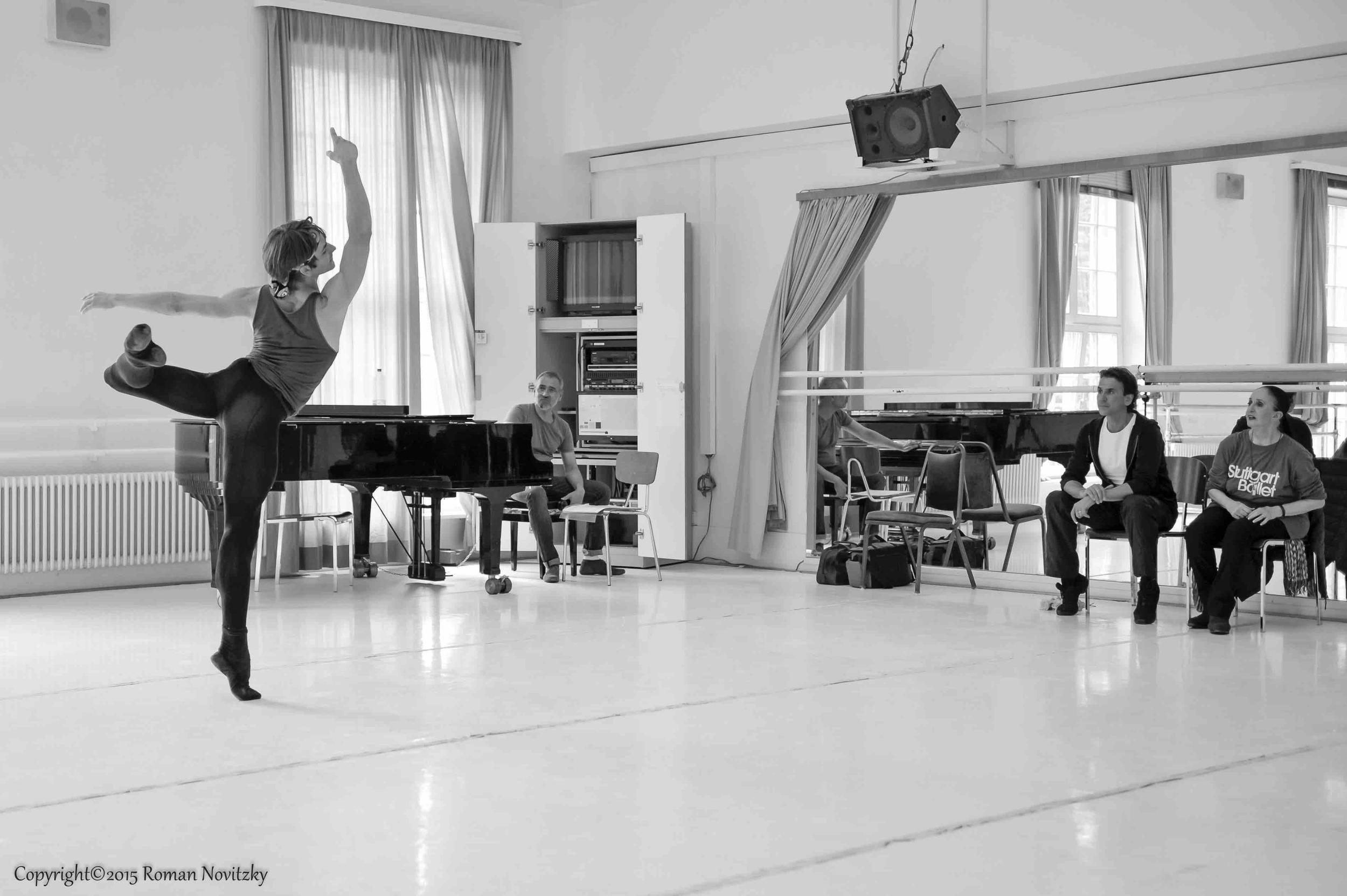 Legende rehearsal  with Marcia Haydée, Tamas Detrich, Friedemann Vogel Photo (c) Roman Novitzky