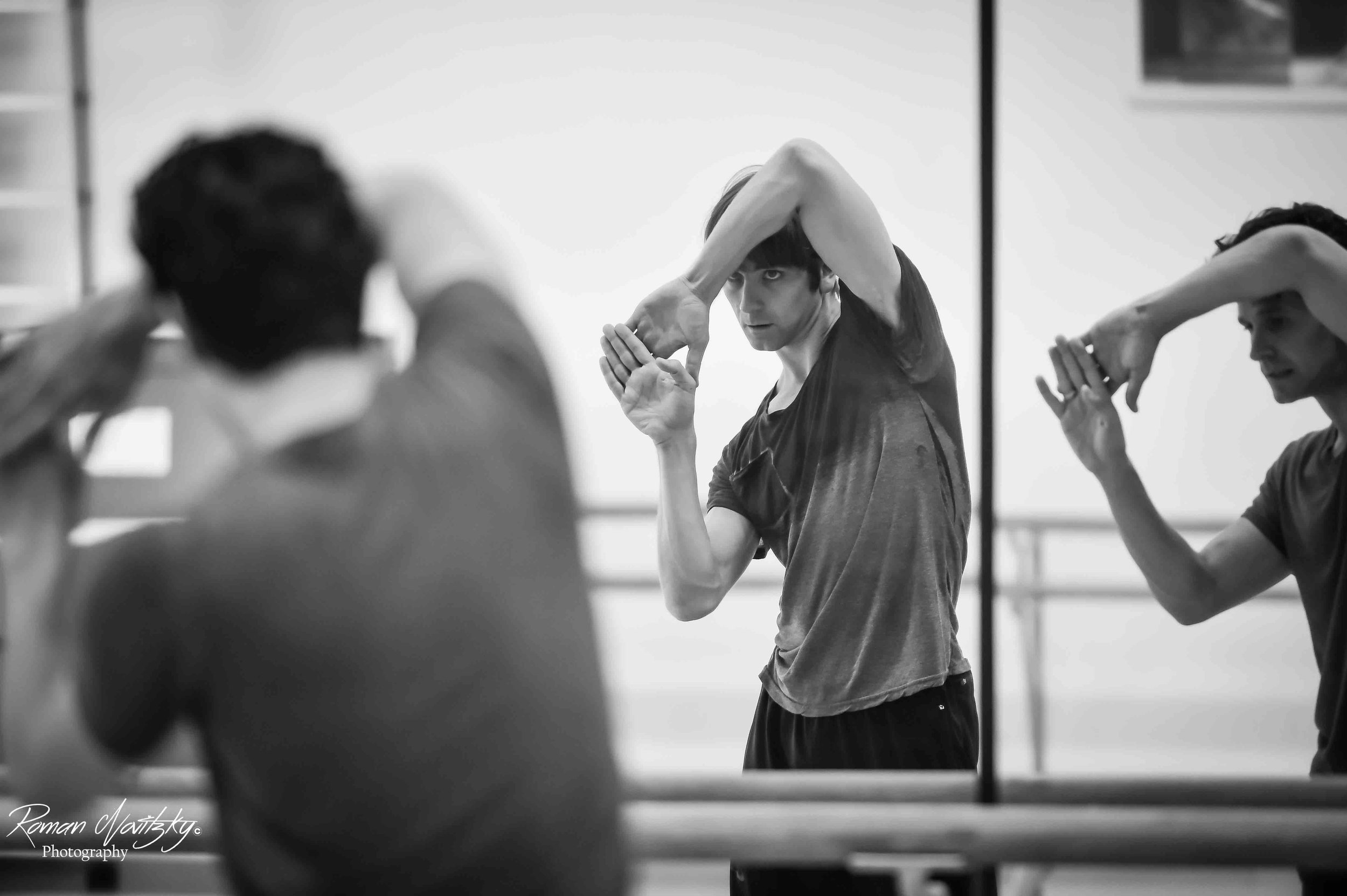 Guillaume Cote and Friedemann Vogel in rehearsals (c) Roman Novitzky