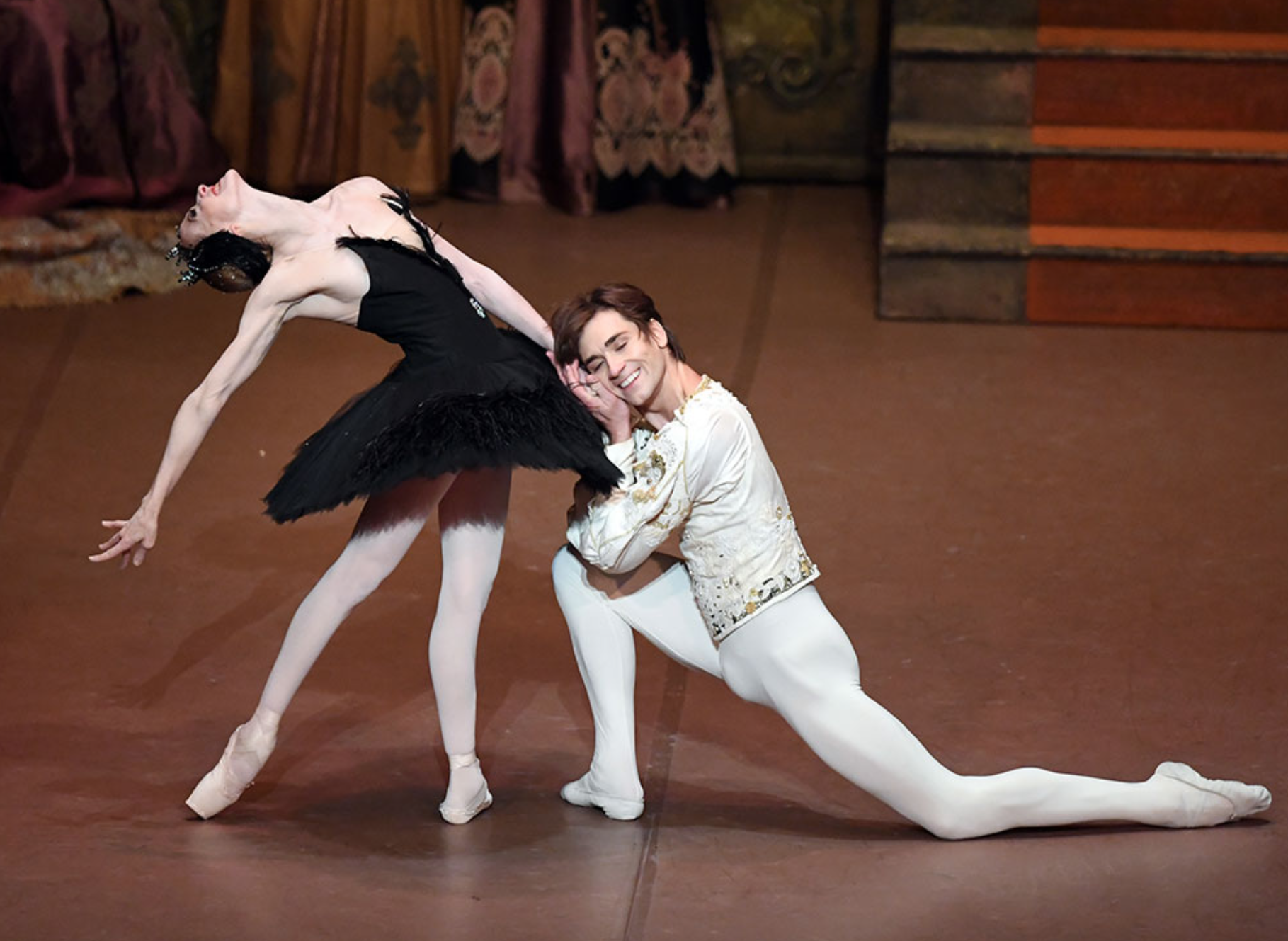 Alicia Amatriain and Friedemann Vogel Swan Lake John Cranko (c) Stuttgart Ballet
