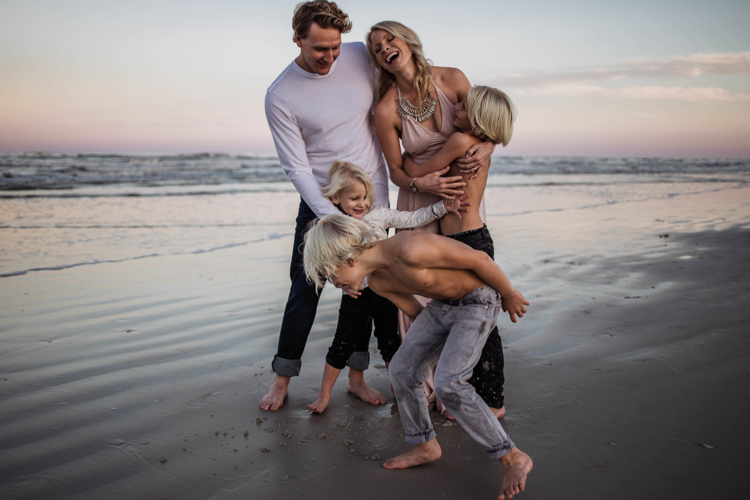 fun family beach photo sessions