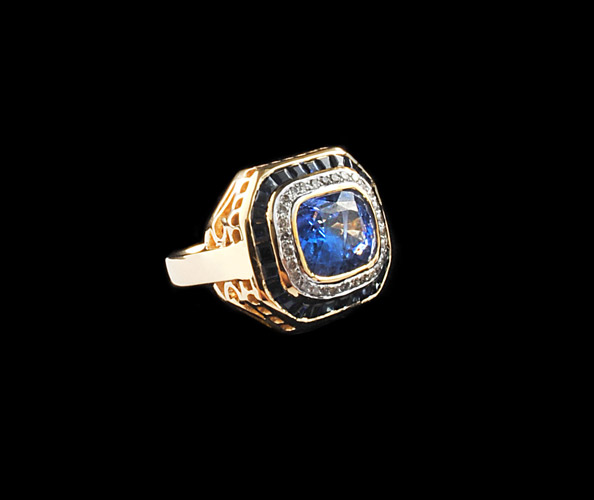 18k-Gold-6.45cts-Blue-Sapphire-and-Diamond-Basket-Ring,-Surrounding-Sapphires-1.77cts,-Surrounding-Diamonds-0.27cts-Gold-11.21-grams.jpg