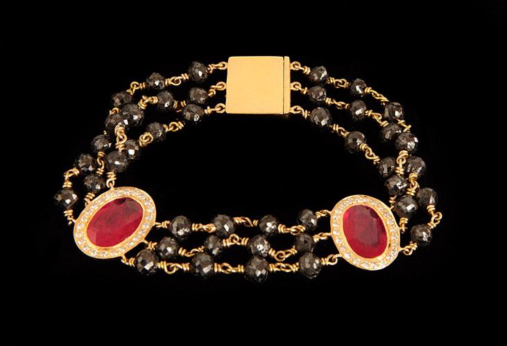 38.6ct-Black-Diamond-Bead-Braceelt-with-8.5cts-Rubies-and-0.75cts-White-Diamonds-18k-Gold-15.36grams.jpg