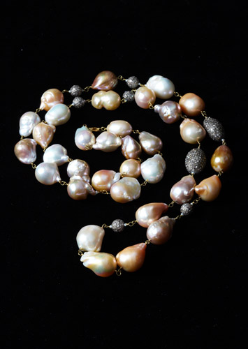 Freshwater-Pearl-Necklace-with-Pave-Daimonds.jpg