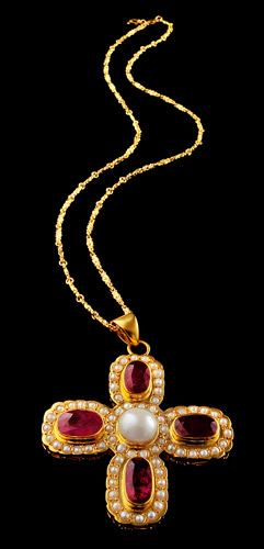 GP-25.5cts-Pearls-and-17cts-Ruby-Cross-with-Jali-Work.jpg