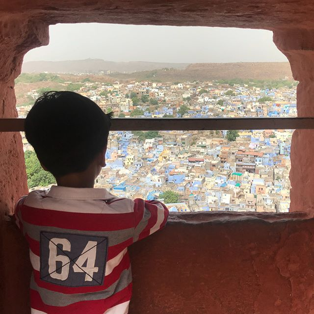 Below the intricate sandstone and sacrificial mementos lies a blue city #jodhpur