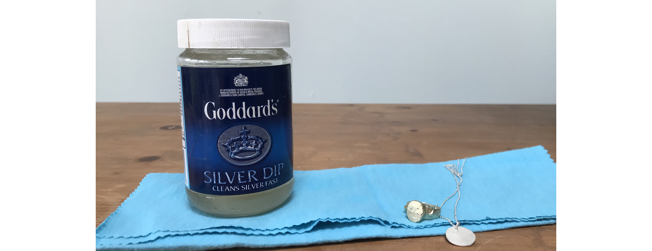 Goddards silver dip and a goddards silver polishing cloth
