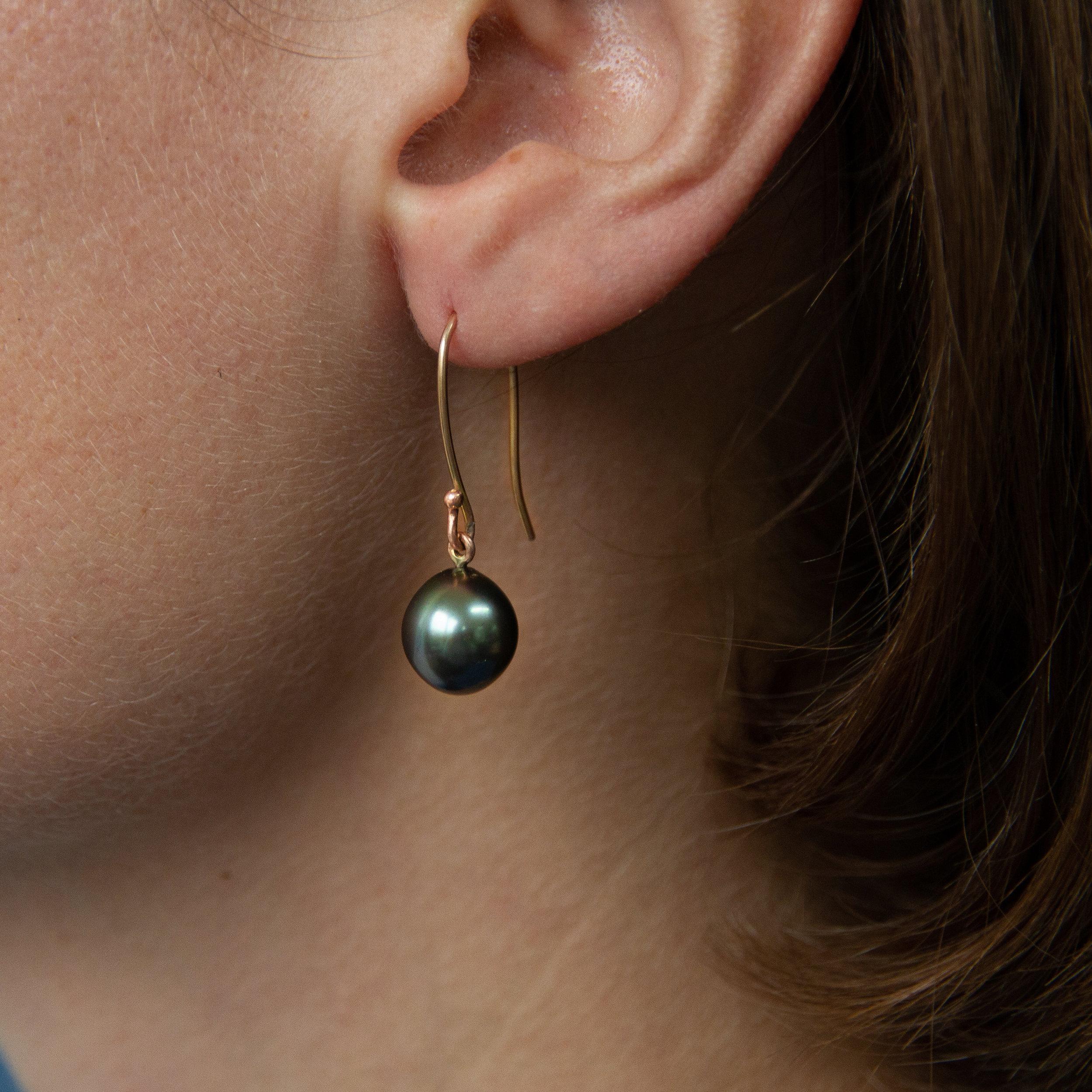 tahitian pearl earring