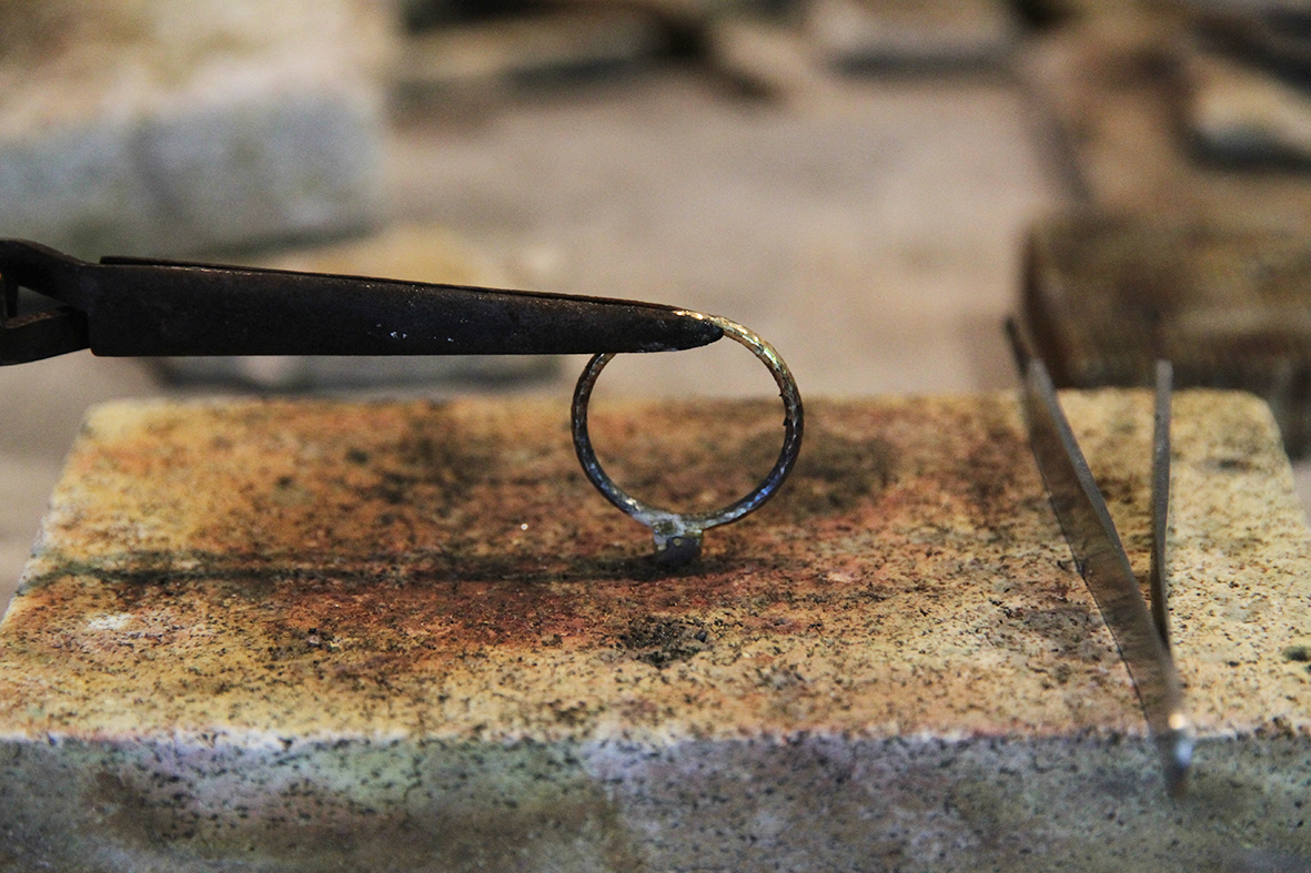 Soldering a setting onto a textured ring shank