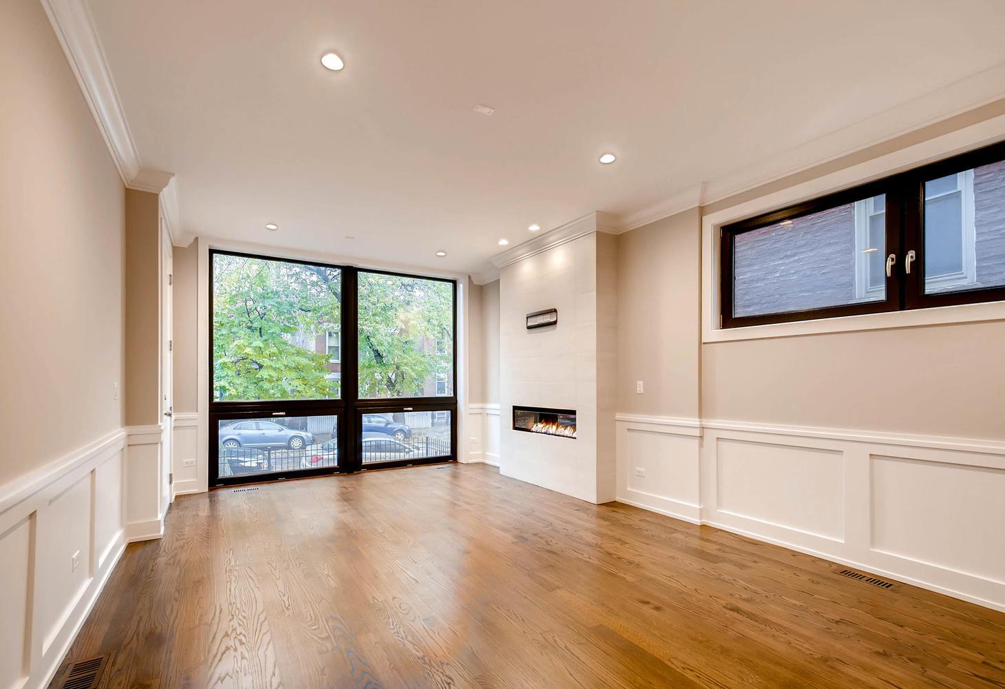 877 N HERMITAGE AVE UNIT 1-large-002-10-Living Room-1460x1000-72dpi.jpg