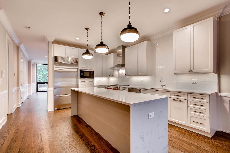 877 N HERMITAGE AVE UNIT 1-large-004-6-Kitchen-1500x1000-72dpi.jpg