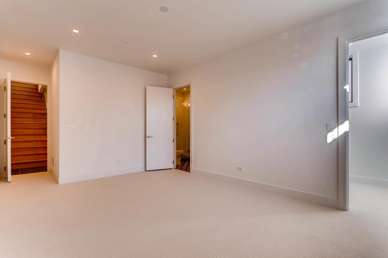 1634 W Augusta Blvd Chicago IL-large-020-18-Lower Level Master Bedroom-1500x1000-72dpi.jpg