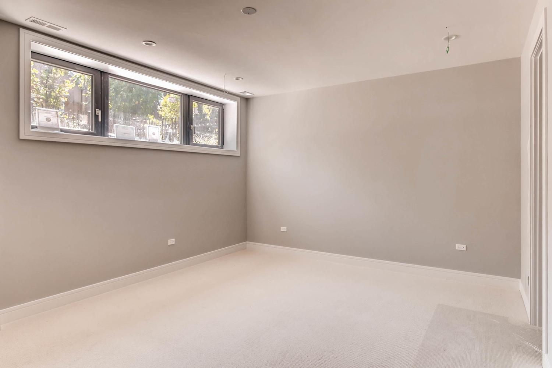 2848 N Damen Ave Chicago IL-large-031-26-Lower Level Master Bedroom-1500x1000-72dpi.jpg