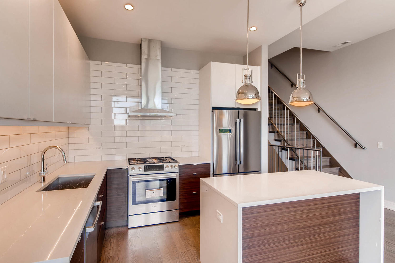 2848 N Damen Ave Chicago IL-large-025-14-3rd Floor Kitchen-1500x1000-72dpi.jpg