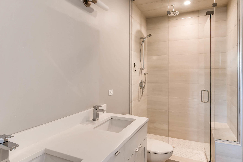 2848 N Damen Ave Chicago IL-large-018-4-2nd Floor Master Bathroom-1500x999-72dpi.jpg