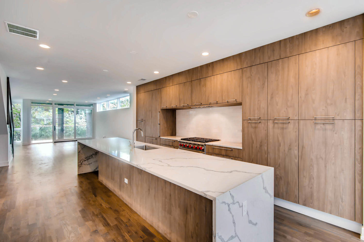 3508 N Reta Ave Chicago IL-large-016-12-Kitchen-1500x1000-72dpi-v2.jpg