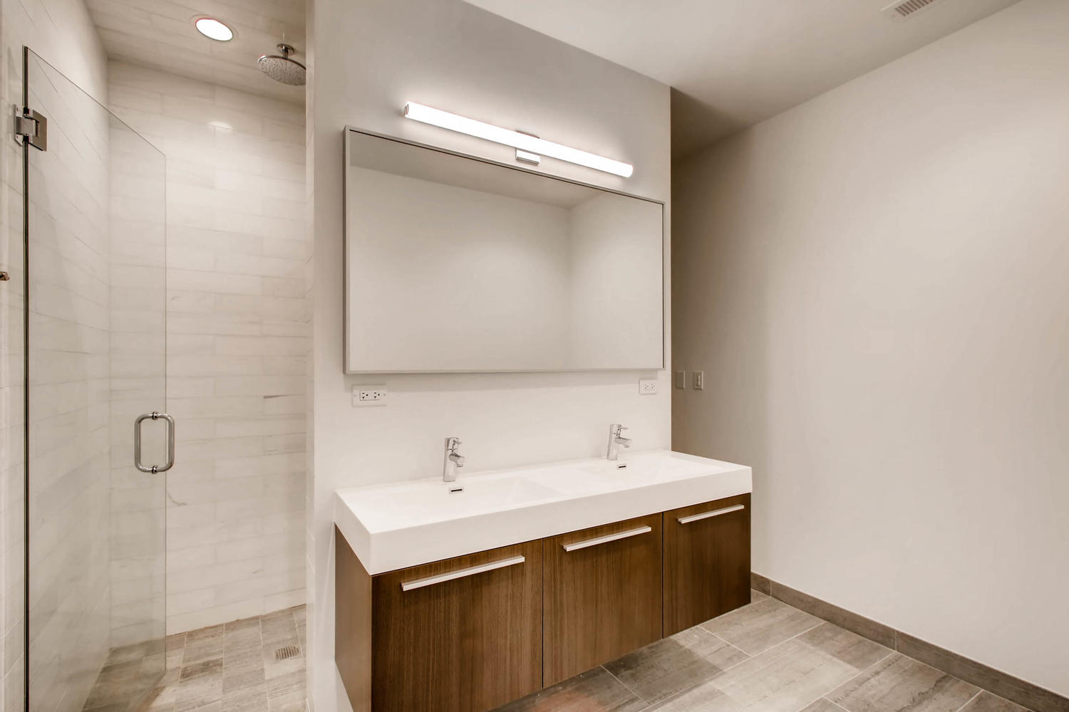 3508 N Reta Ave Chicago IL-large-026-7-Master Bathroom-1500x1000-72dpi.jpg