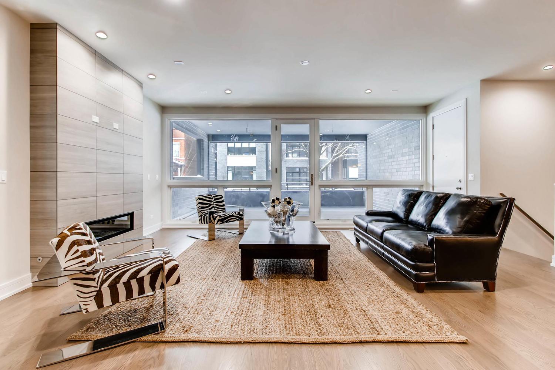 2869 W Lyndale Unit 1 Chicago-large-004-14-Living Room-1500x1000-72dpi.jpg