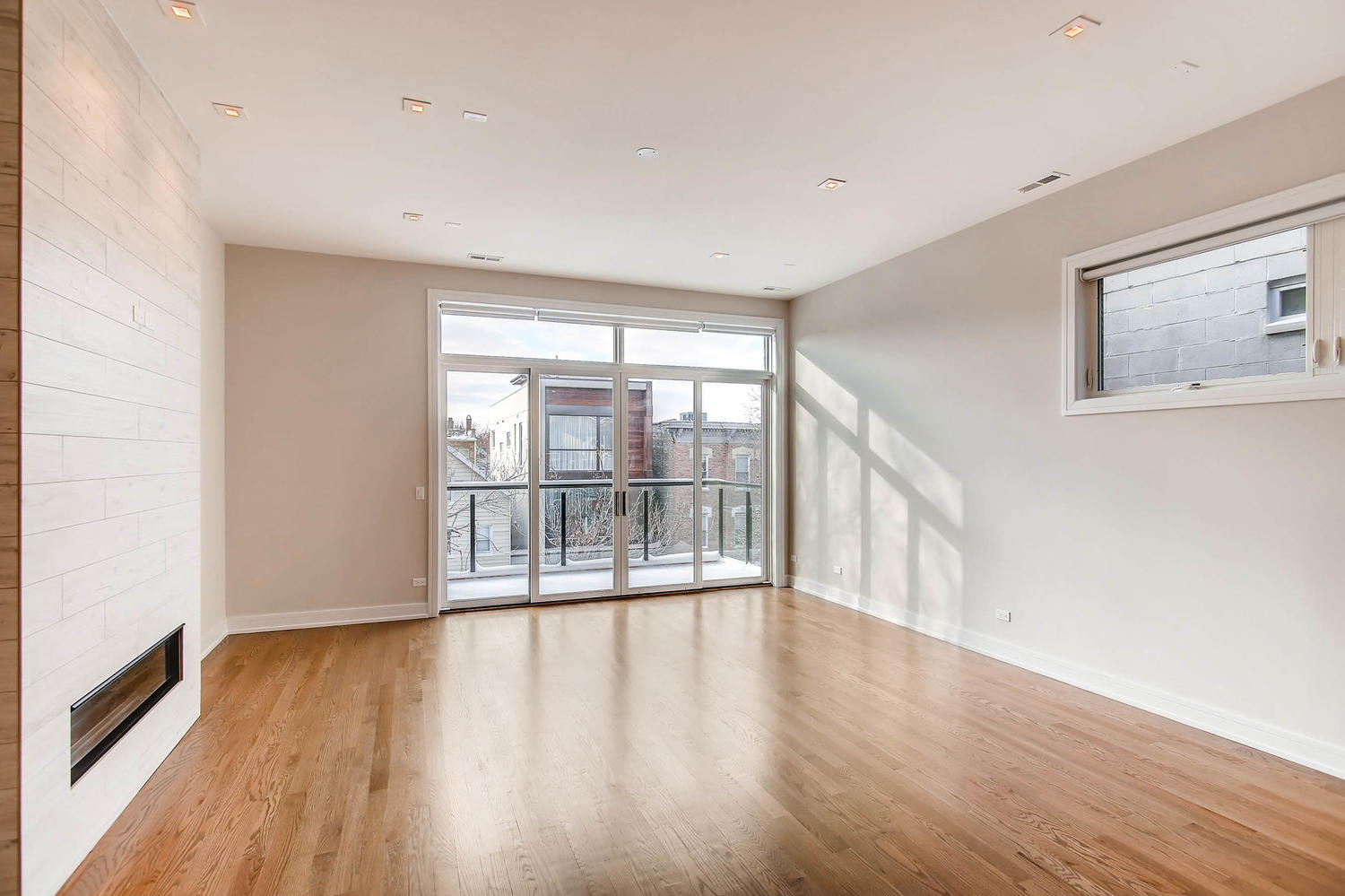Living room at 877 N Marshfield Ave Unit 3, Chicago, IL