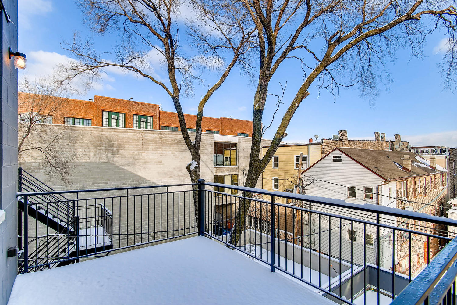 Back deck at 877 N Marshfield Ave Unit 3, Chicago, IL