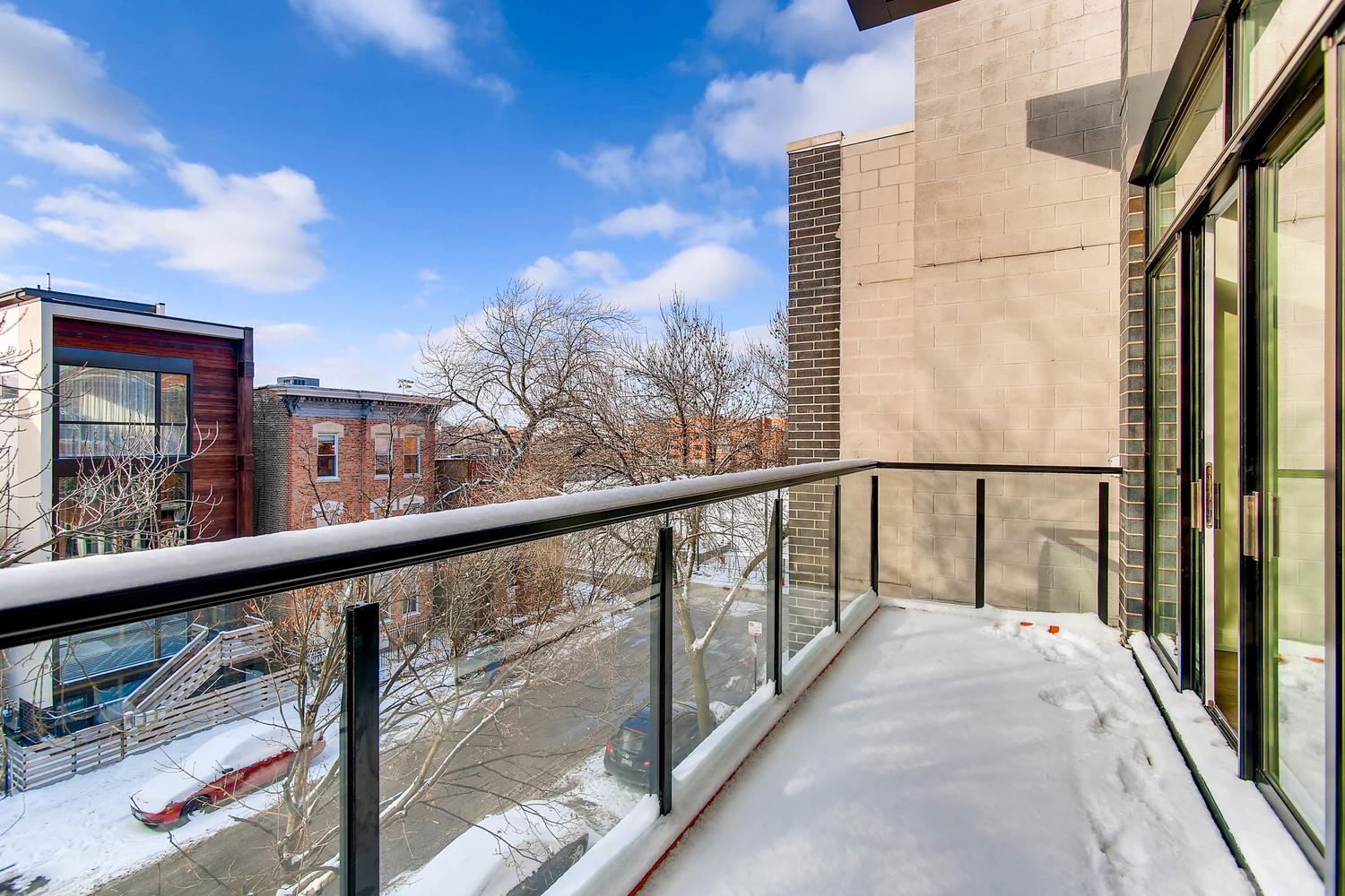 Front balcony at 877 N Marshfield Ave Unit 3, Chicago, IL