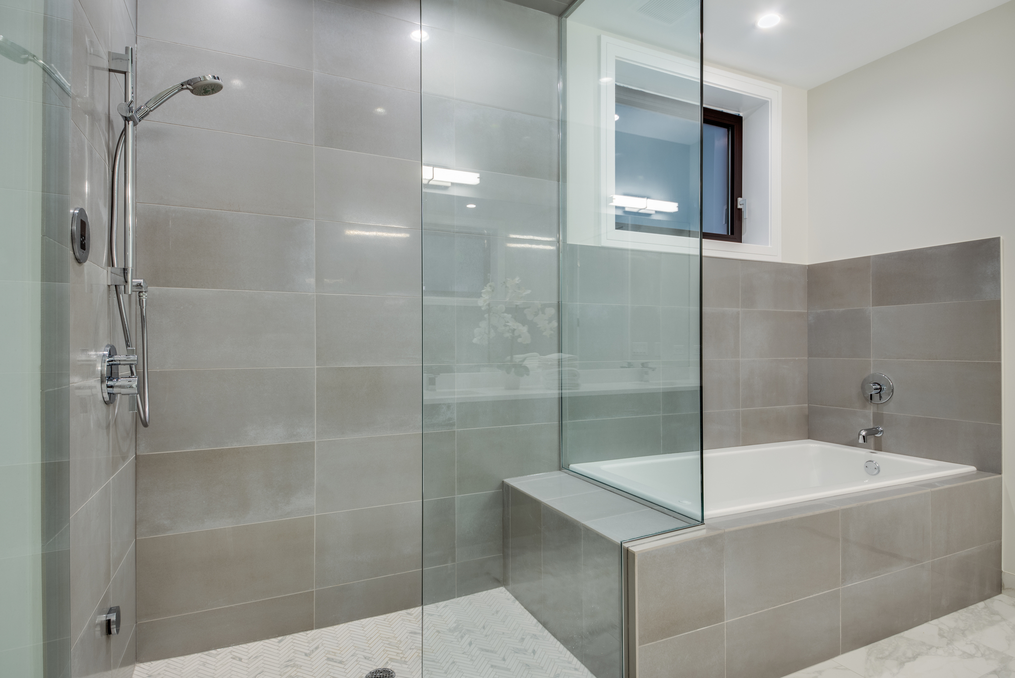 Master bathroom at 1012 N Paulina St Unit 1, Chicago, IL