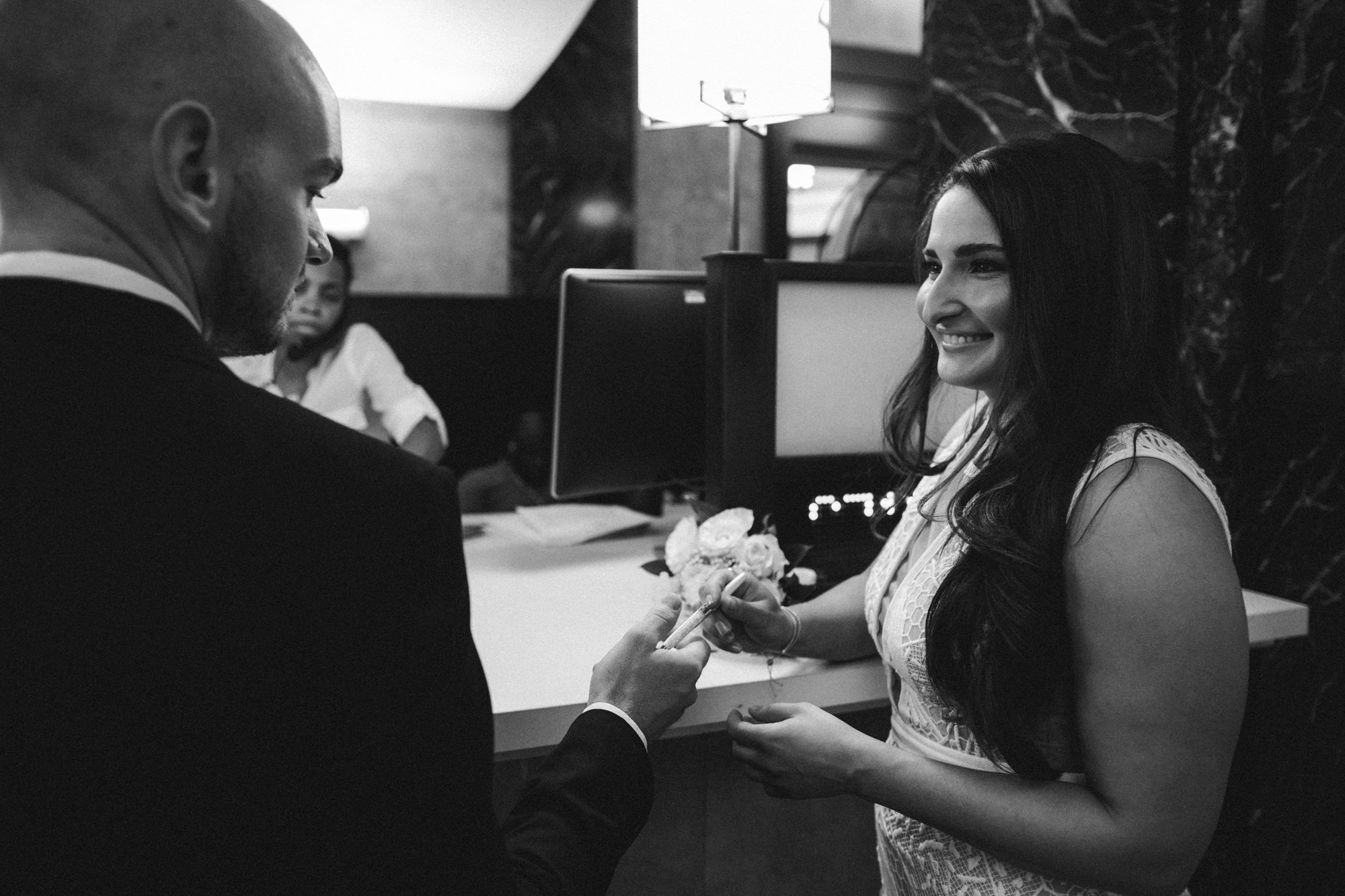 NYC_ELOPEMENT_CITYHALL_BROOKLYN_SAMMBLAKE_0014.jpg