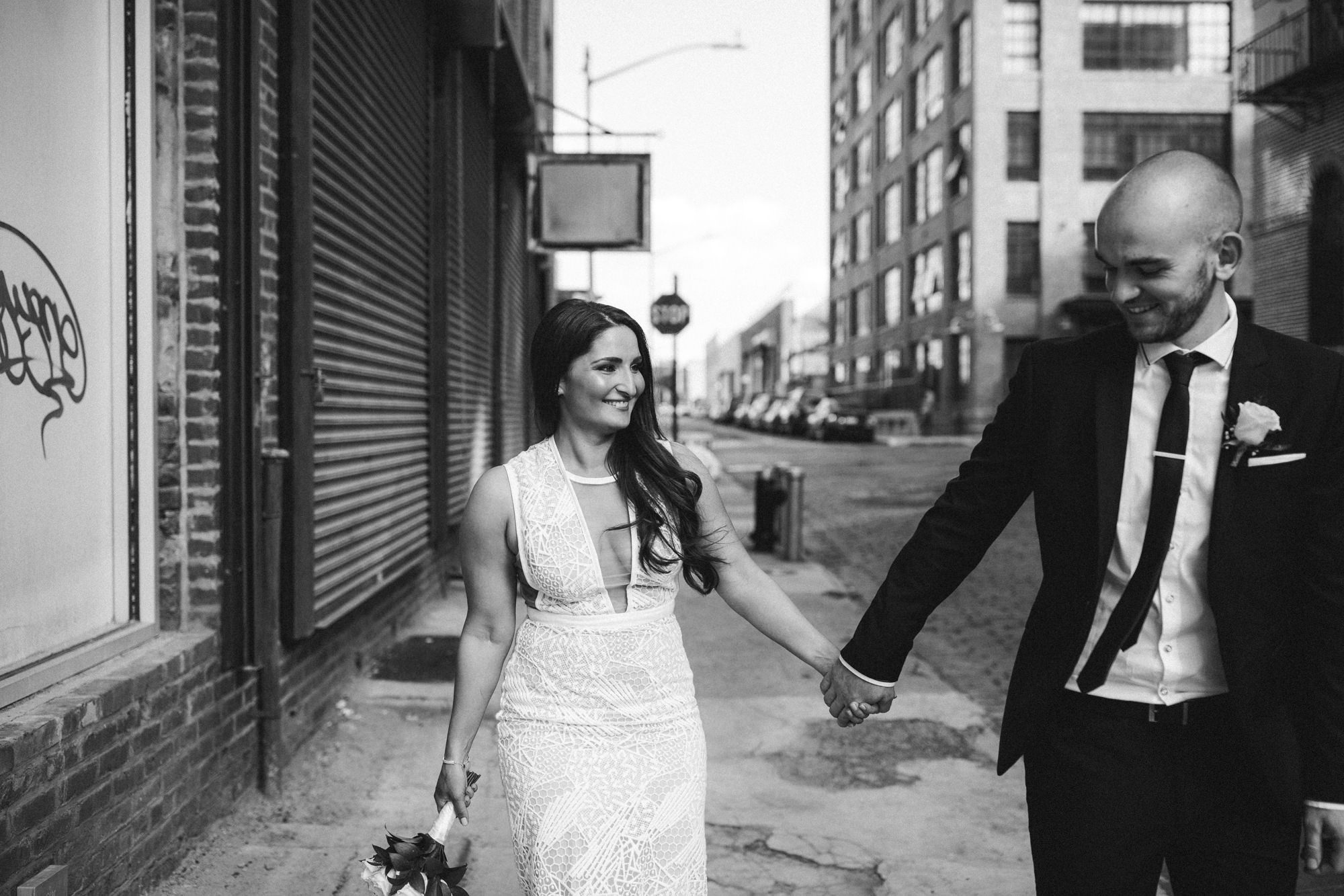 NYC_ELOPEMENT_CITYHALL_BROOKLYN_SAMMBLAKE_0026.jpg