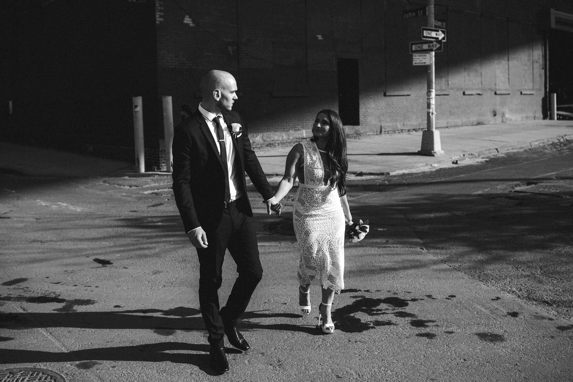 NYC_ELOPEMENT_CITYHALL_BROOKLYN_SAMMBLAKE_0036.jpg