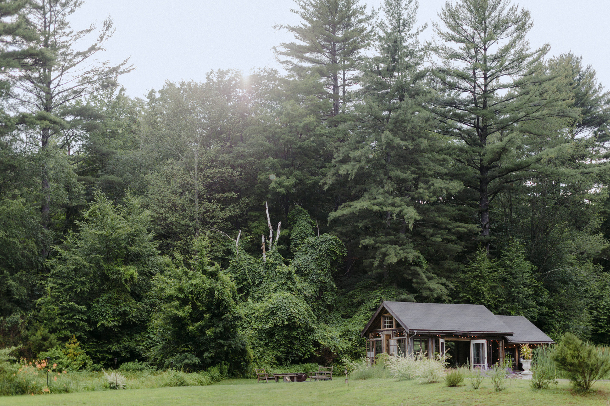 FOXFIREMOUNTAINHOUSE_CATSKILLS_WEDDING_SAMMBLAKE_PJW_0424.jpg