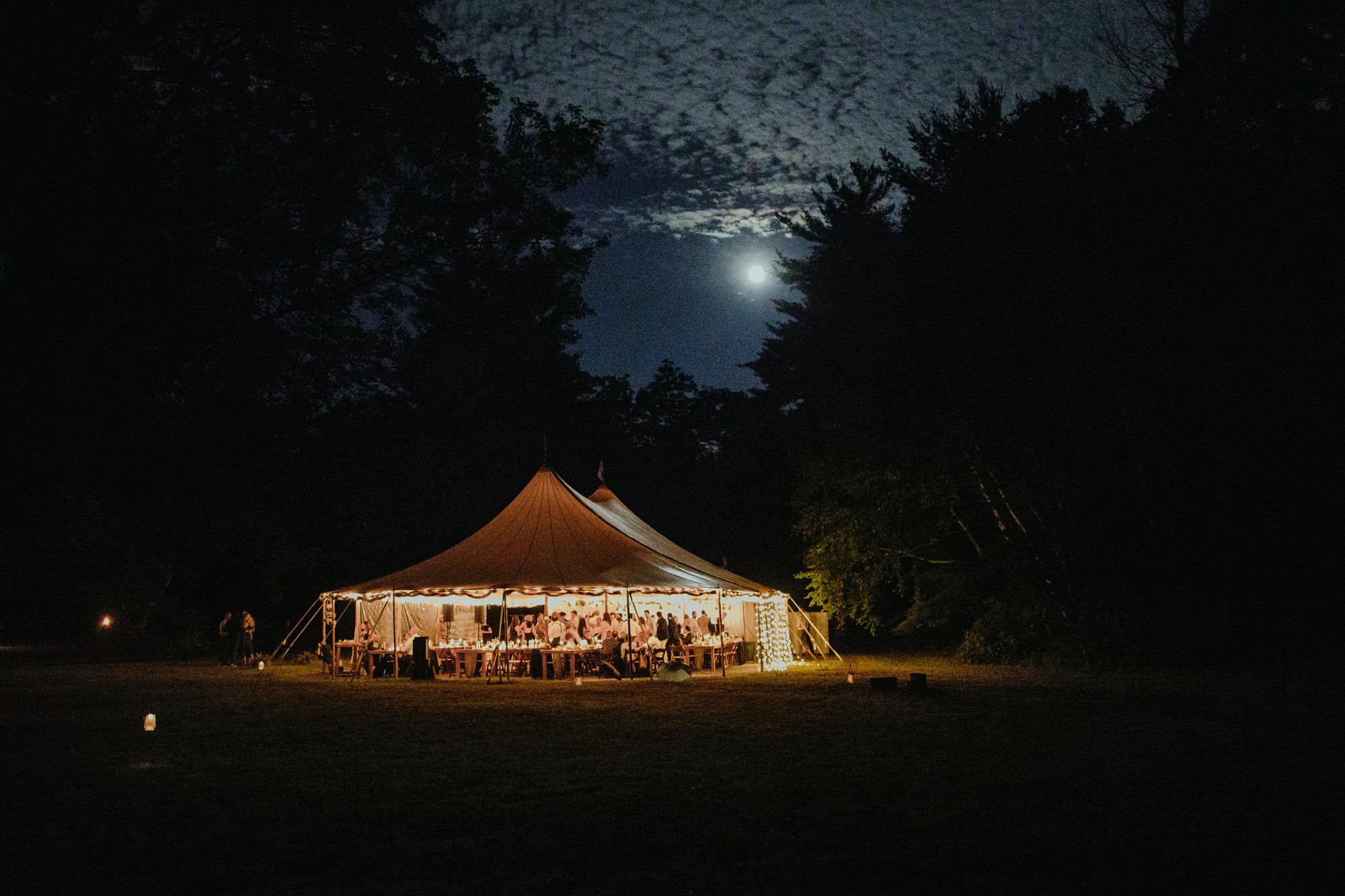 FOXFIREMOUNTAINHOUSE_CATSKILLS_WEDDING_SAMMBLAKE_PJW_1007.jpg